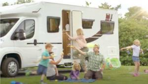 rodina a karavan